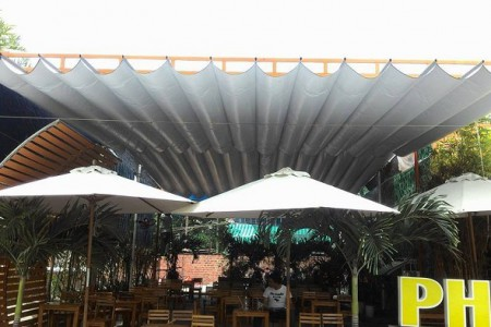 Nhận làm thi công mái che di động quán cafe tại Long An